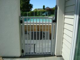 1.2 high ped gate
