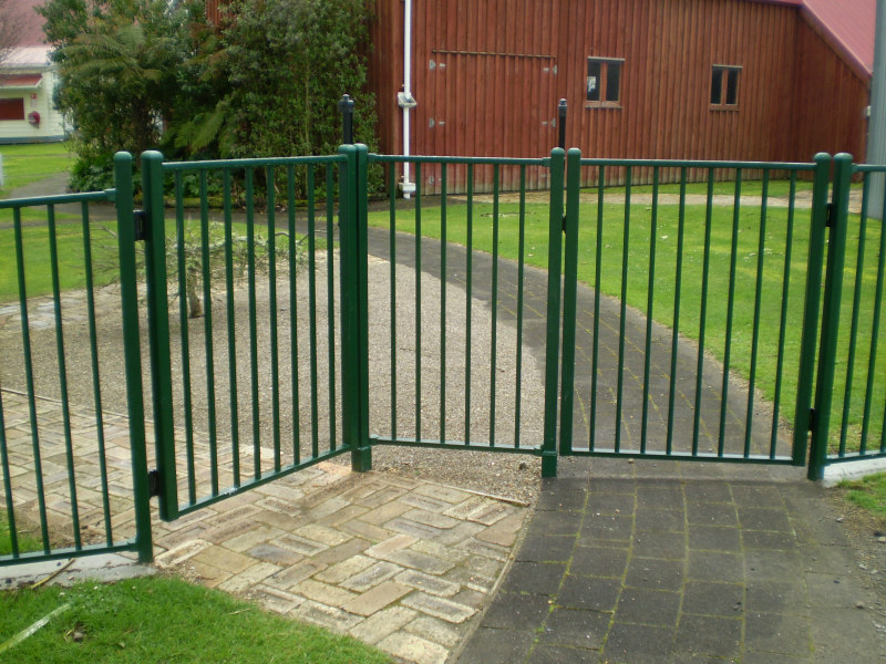 386 l 20 20 double gate with removable centre post