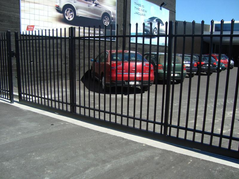 398 l 25 25 commercial 6 metre sliding gate