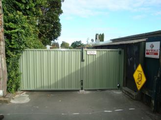Moduline double gates 1 gate self closing